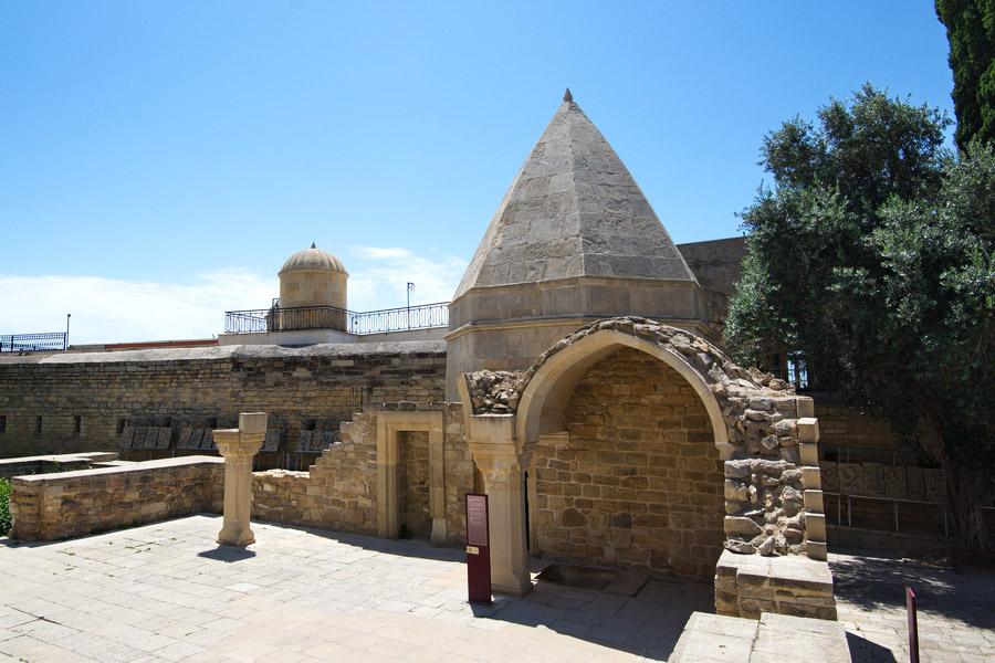 shirvanshah-palace